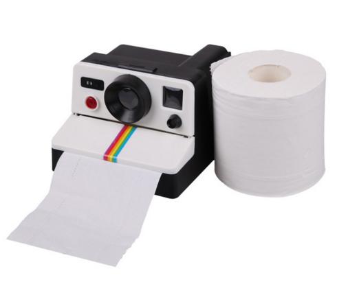 Retro fürs Klo: Polaroid-Kamera für Klopapier