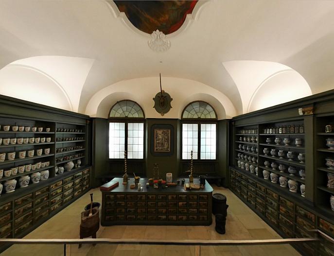 Deutsches Museum: Blick in eine Kloster-Apotheke aus dem 18. Jahrhundert.