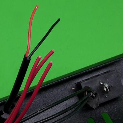 Kühler-Kabel gekappt und Isolierung am Schalter entfernt.